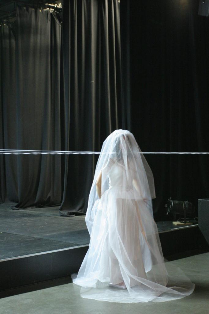 """Performance Janet Toro """"A-Test"""", Theater im Depot, Dortmund am 27.11.2005 im Rahmen von radius 100"""