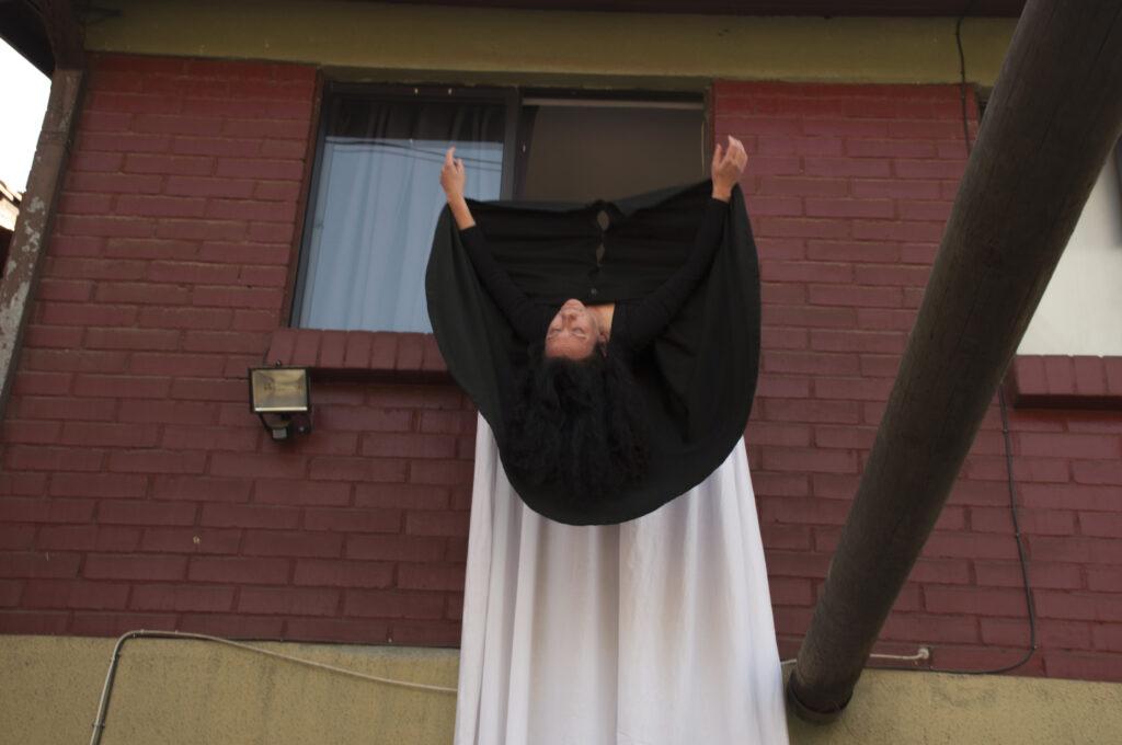 Performance La flor negra. El encierro 3 Janet Toro 2020