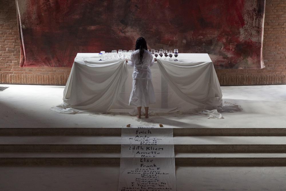 Performance_Sacra_sitis_sacer_dolor_2010